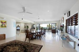 Whitsunday Ocean Melody Deluxe Villa, Priváty  Airlie Beach - big - 24