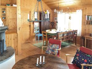 Four-Bedroom Holiday Home in Skabu, Holiday homes  Skåbu - big - 22