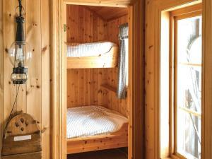 Four-Bedroom Holiday Home in Skabu, Holiday homes  Skåbu - big - 40