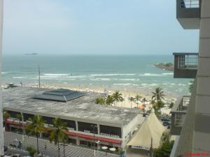 Guaruja Pitangueiras apto na praia