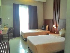 City Hotel, Hotel  Tasikmalaya - big - 89