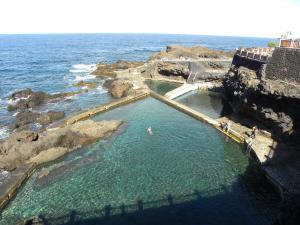 Apartamento en piscinas naturales.
