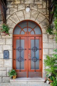 Hostales Baratos - Pštrossova Vila - u klášterní zahrady