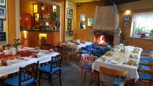 Restauracja Grecka IRINI - Pokoje Gościnne