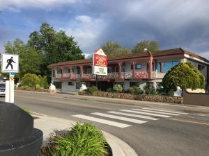 Spanish Villa Resort - Accommodation - Penticton
