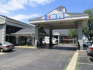 Motel 6-Alsip, IL