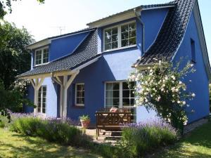 blau - Ines - Bresewitz