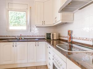 Villa Rolando, Holiday homes  L'Escala - big - 8