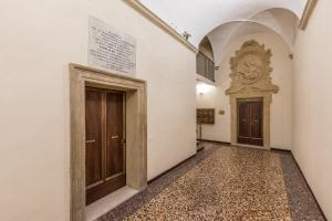 Casa dei Poeti - Rubino - AbcAlberghi.com