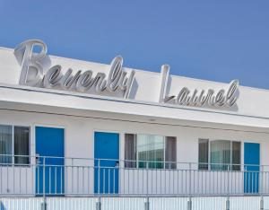 Beverly Laurel Hotel photos