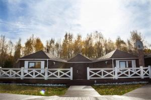 Лед загородный клуб-отель - Slyudyanka