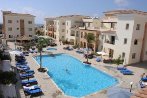 Oracle Exclusive Resort, Пафос