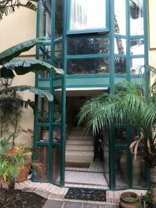 Terrazza Pavone, Apartmanok  Aci Castello - big - 41
