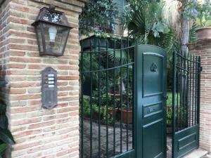 Terrazza Pavone, Apartmanok  Aci Castello - big - 44