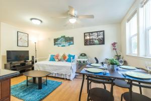 Startup-Friendly 1BR in MV, 5min to Castro St+ AC!, Apartments  Mountain View - big - 9