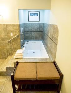 Aura Soma Lava, Hotely  Lava Hot Springs - big - 163