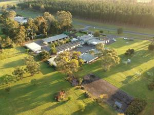 William Macintosh Motor Lodge
