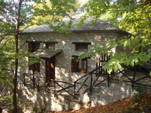obrázek - House in a Village