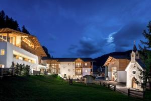 Hotel La Fradora - Dolomites Hotel - San Cassiano