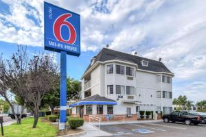 Motel 6-Escondido, CA