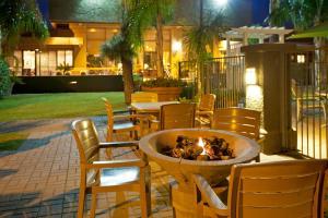 Ramada by Wyndham Tucson, Hotels  Tucson - big - 22