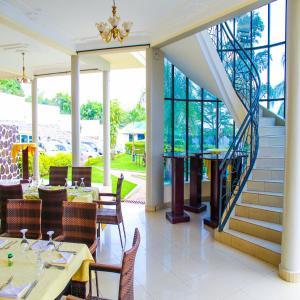 Best Outlook Hotel, Отели  Бужумбура - big - 8