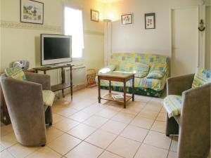 Two-Bedroom Holiday Home in La Tranche sur Mer, Nyaralók  La Tranche-sur-Mer - big - 5