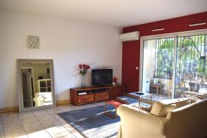 Nice flat Amaryllis Air Rental