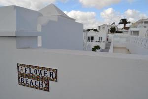 Flower Beach Deluxe