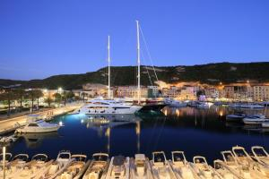 Hotel Centre Nautique, Hotely  Bonifacio - big - 43