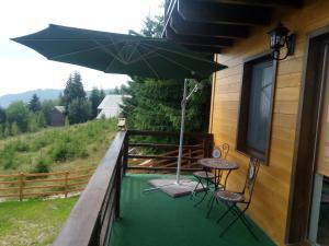 Cabana Cindy, Holiday homes  Muntele Cacovei - big - 47