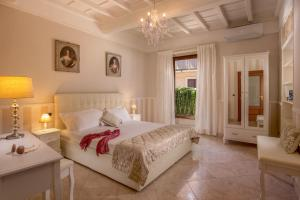 Mario's apartament in the Spanish Steps - abcRoma.com