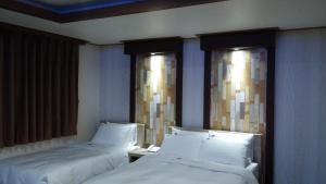 Tongyeong Tourist Hotel, Szállodák  Thongjong - big - 18