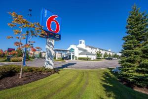 Motel 6-Mississauga, ON - Toronto