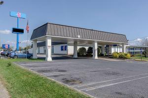 Motel 6-Staunton, VA