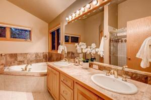 10 Mile Range Retreat - Peace, Seclusion & Access - Apartment - Breckenridge