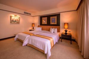 Pantip Suites