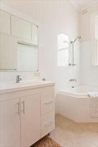 Three Bedroom Apartment Darley Rd(DARL3), Ferienwohnungen  Sydney - big - 3
