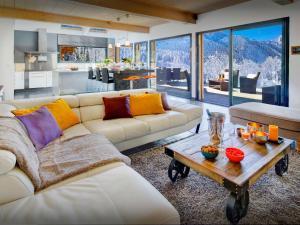 Location gîte, chambres d'hotes Chalet de Rollon - OVO Network dans le département Haute Savoie 74