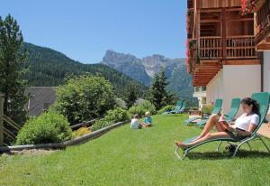 Dolomites Apartments Ciasa Vally - Hotel - San Cassiano