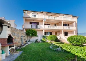 Apartments Dragan - Lopar