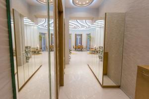 FamousAli10 Luxury Apartments