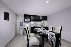Aston Rasuna, Apartmanhotelek  Jakarta - big - 44