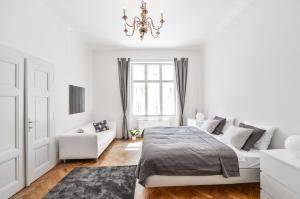 Old Town Prague Stylish 3BR apartment - 110 sq.m.