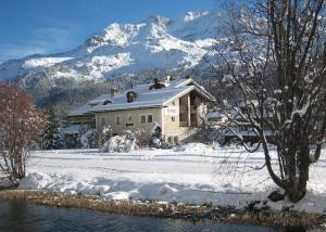 Accommodation in Sils Baselgia