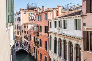 Rialto Bridge Large Venetian Style With Lift