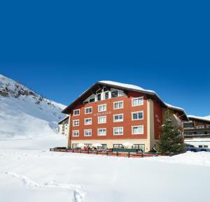 Hotel Garni Guggis - Zürs