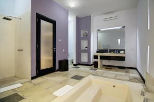 The Seminyak Suite - Private Villa, Ville  Seminyak - big - 5