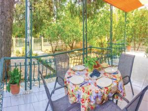 Two-Bedroom Holiday Home in Agioi Apostoloi