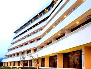 Surya Hotel & Cottages